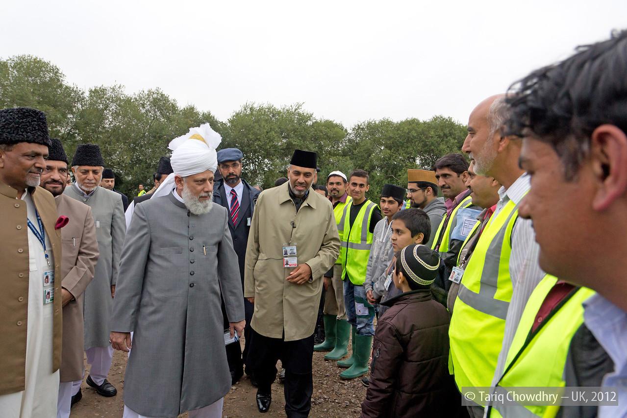 IMG_0785:  Hudhur at the inspection at Hadeeqatul Mahdi.