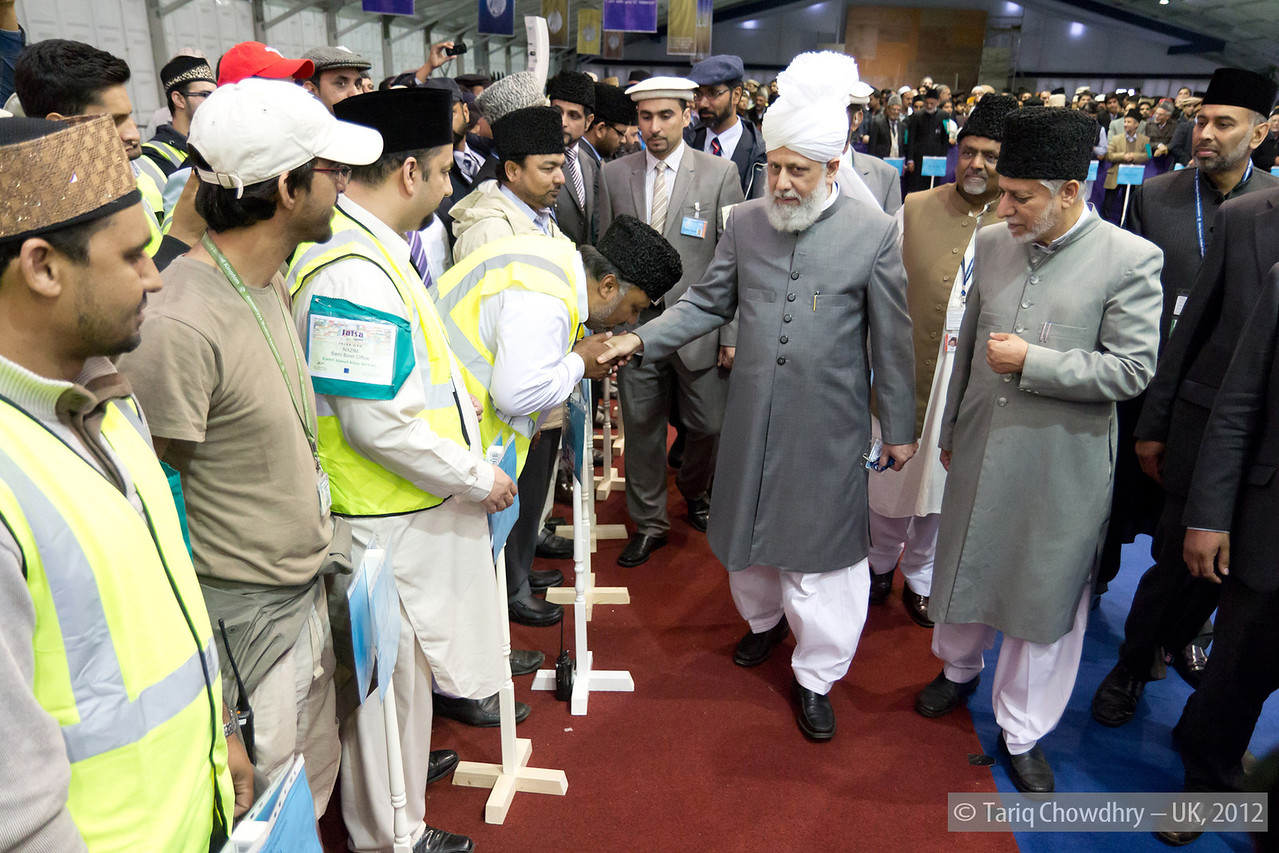 IMG_0881– Hudhur Aqdas (atba) greeting some of the senior officials of various departments.