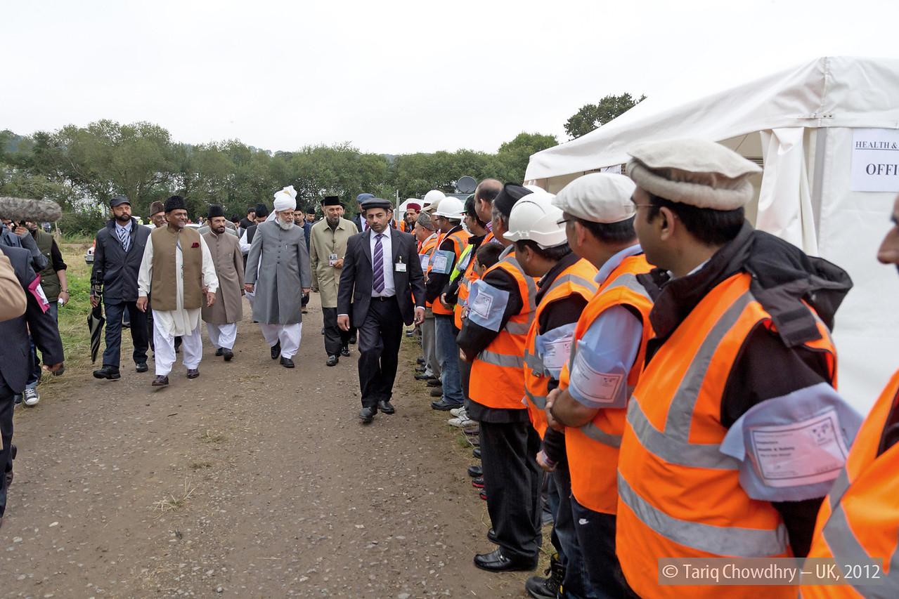 IMG_0786 – Hudhur Aqdas (atba) at the inspection at Hadeeqatul Mahdi.