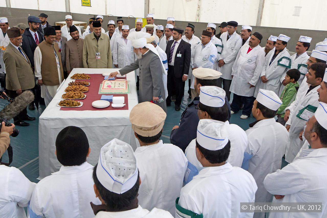 IMG_0820 – Hudhur Aqdas (atba) at the inspection at Hadeeqatul Mahdi.