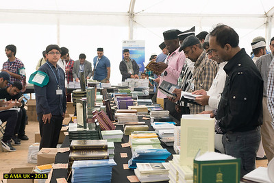 IA6_7958 Bookshop at the Jalsa 2013