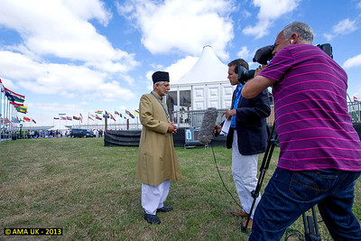 JA3_4199 Imam Sahib UK interviewed by the national ITV news channel.