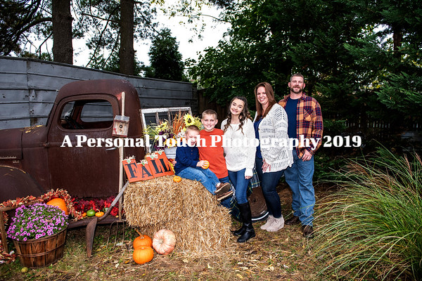 Jamie Tommy & family engagement pictures 2019