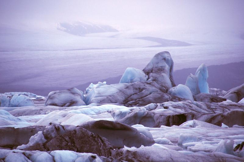 DSC_7506 - 2009-10-31 at 19-21-18 Glacial lagoon ice