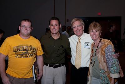 Matt Rinka (L) and Stephanie Rinka (R) travelled 6 hours from Wilmington North Carolina to meet Jeff Corwin. (Note Stephanie has ALS disease, Bob Lamb has details)