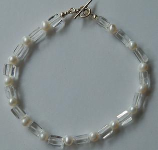 Bracelet-QuartzCrystalPearlSS