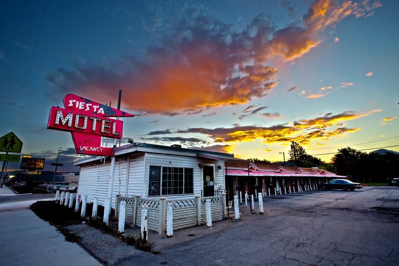 State Street - Siesta Motel