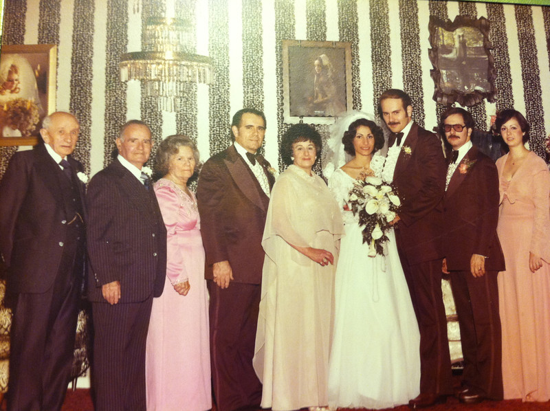 Americo, John sr, Modesta, john oller,Jr Marie Oller, Teri and John A. oller, Robert and Vickie Oller. Marlene and Mike Czas off some where else during picture.......