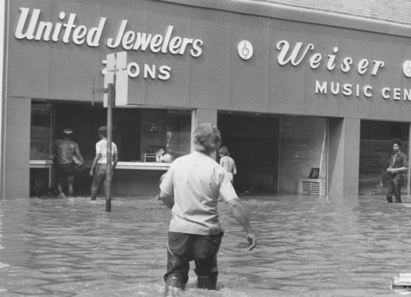 Flood waters at Unitied Jewelers