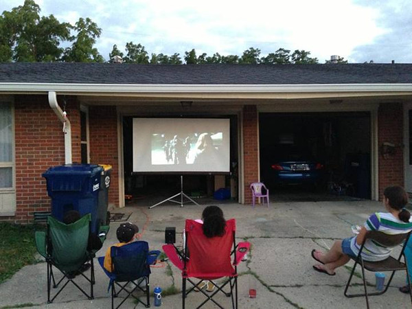 Damon Wallace hosts Sunday movie night in his neighborhood! <br /> <br /> Photographer's Name: Jacquieline Gwynn<br /> Photographer's City and State: Anderson, Ind.