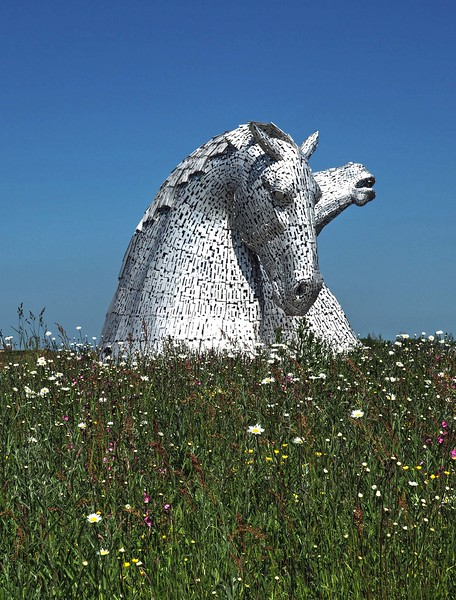 Kelpies at Falkirk. Must go back when it is quieter and the light more interesting.