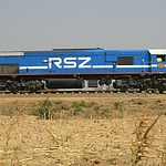 train_travelling_through_zimba