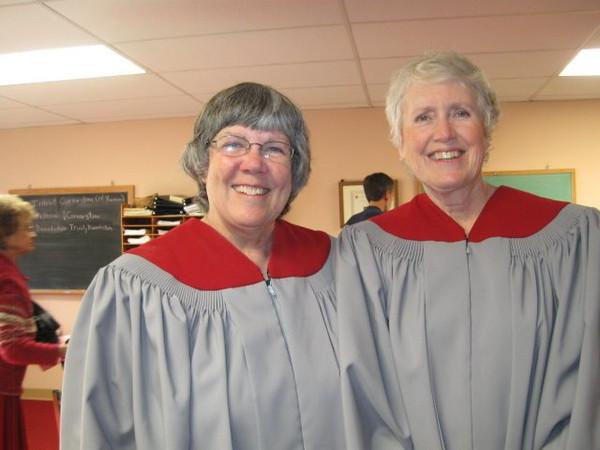 2011 Singing alto with the Paradise  United Methodist Church choir through the Christmas season.