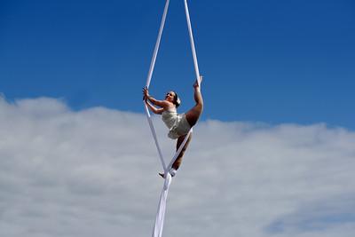 Luftakrobatik på hög höjd, Aerial acrobatics