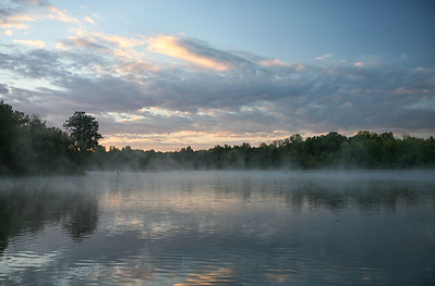 What a wonderful morning to take a kayak ride....nice and cool and foggy.....