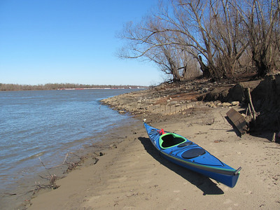Kayaking the mighty Mississippi River