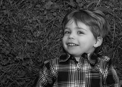 on the grass bw (4 of 6)