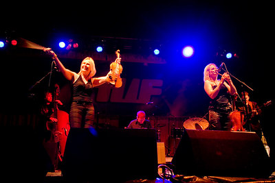 Cora and Breda Smyth get the croud going on the main stage at the World Fleadh in Ballybunion
