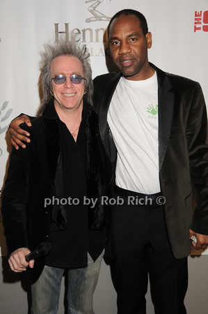 Jeff Gurian, Unik Ernest<br /> photo by Rob Rich © 2010 robwayne1@aol.com 516-676-3939