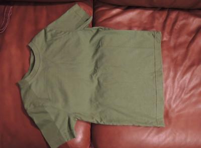 Green tee shirt, 5T