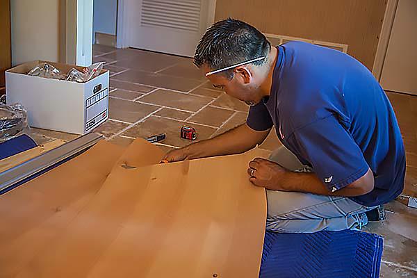 Cutting the veneer