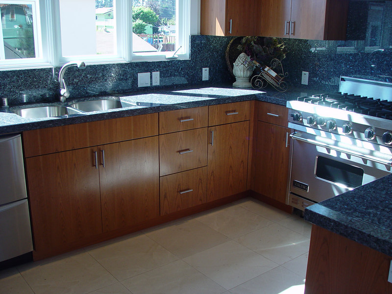 "Cherry Cabinets with Flat Slab Full Overlay Door ""European Style"""