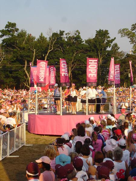 Survivors circle at the begining of the walk