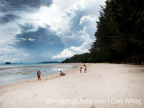 Tubkhaek Beach, Krabi, Thailand