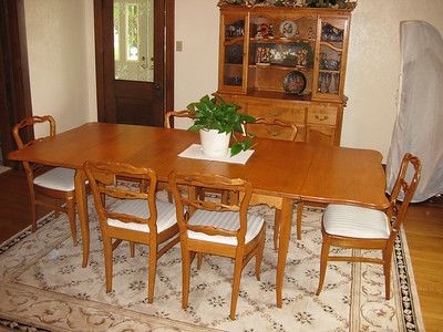 kris dining room
