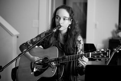 guitar-student-Amanda_sqwvgw
