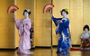 More geisha dance.<br /> <br /> Taniec.