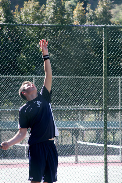 Vincent CF's perfect toss leads to an ace....  Photo by Peter Arnold