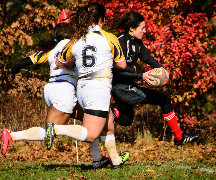 Brooke Kantor (H'15) scores in the second qualifying round of the CIANCI 7s Collegiate Tournament.