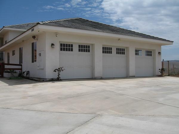 8/25/07 Driveway / garage