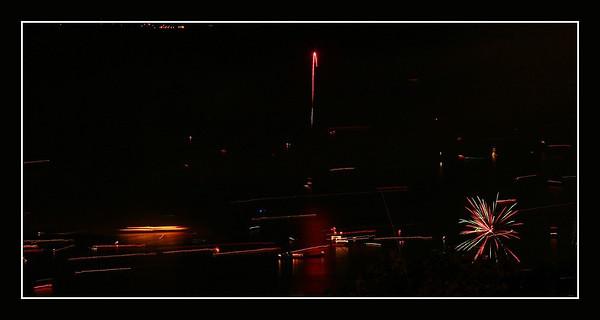 1ier aout 2011-Pully. C'est finit pour cette année les bâtaux regagnent leur port respectif