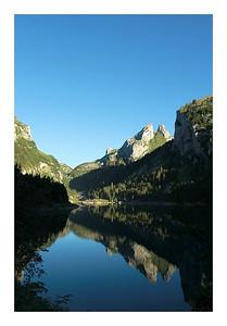 Lac Taney au petit matin, les Jumelles s'y reflètent