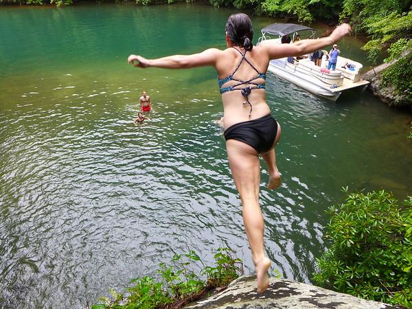 Lake Jocassee Boat Trips