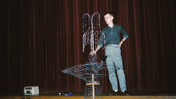 Decorating for Junior Prom at LHS, 1961