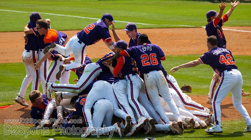 Clemson Tigers vs Alabama Crimson Tide Baseball
