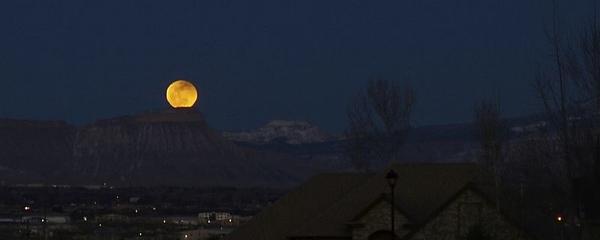 Full Moon coming over Mt. Garfield