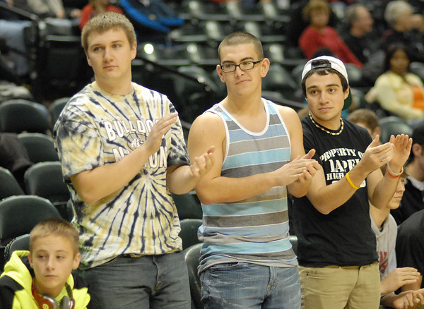 Lapel fans cheer the team on.