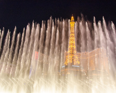The Effiel Tower through the Bellagio water show.