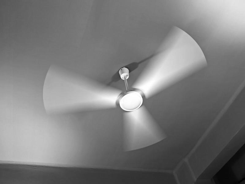 """<p><font size=""""4"""">La lumière du vent </font></p> <p><font size=""""1"""">The light of wind</font></p>"""