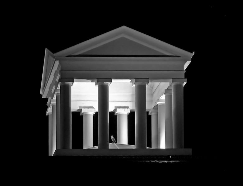 """<p><font size=""""4"""">Un temple dans l'espace</font></p> <p><font size=""""1""""> A temple in the space</font></p>"""