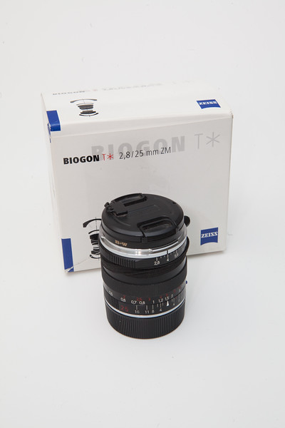 Zeiss 25mm f/2.8 Biogon