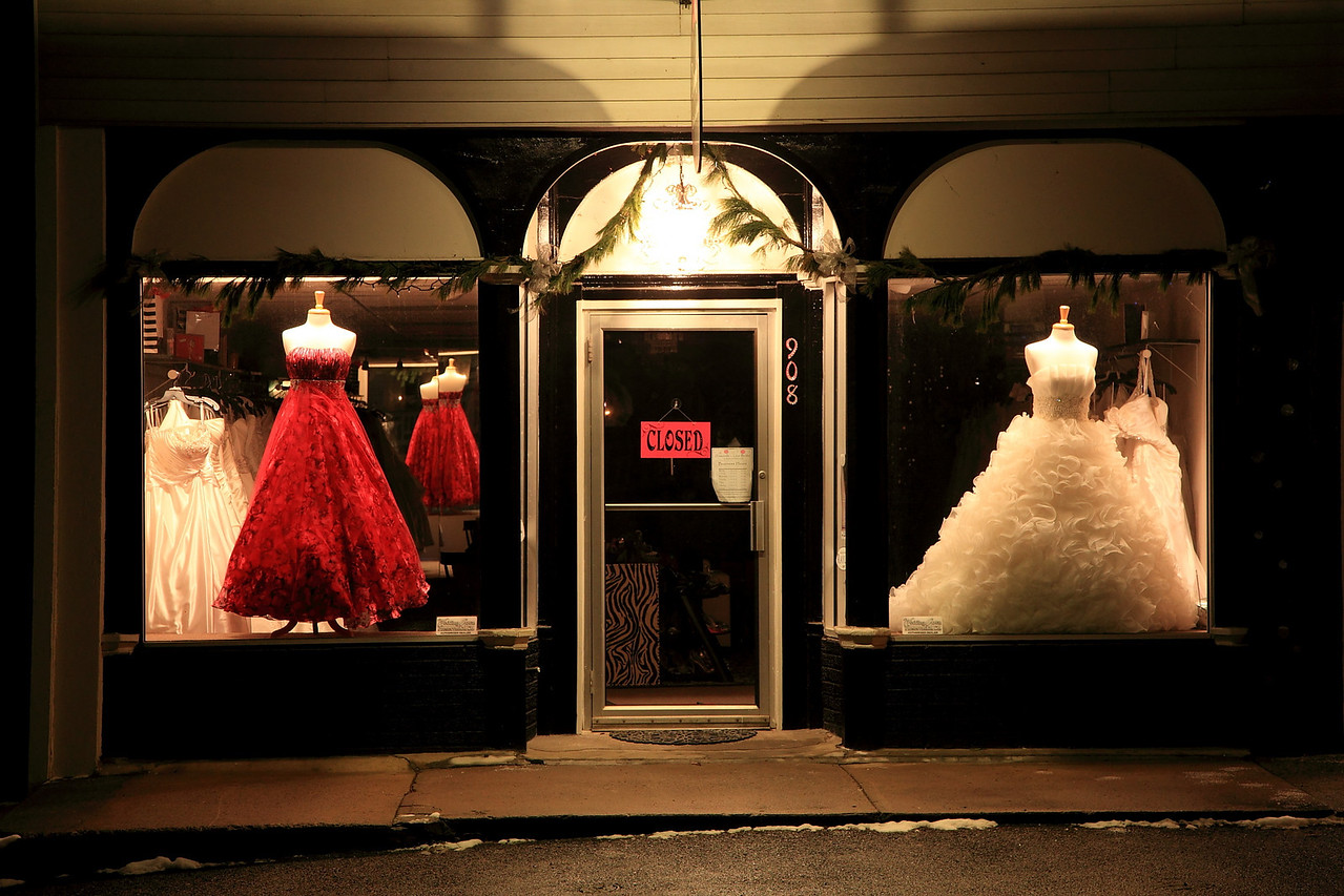 Diamonds & Lace Bridal Boutique, Lemont, PA, closed for the night.