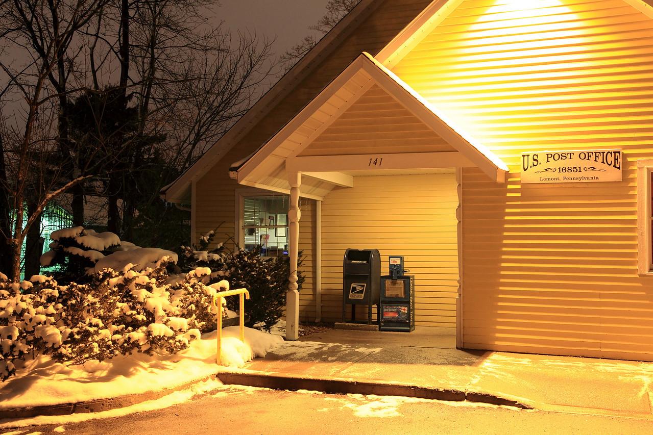 Lemont Post Office