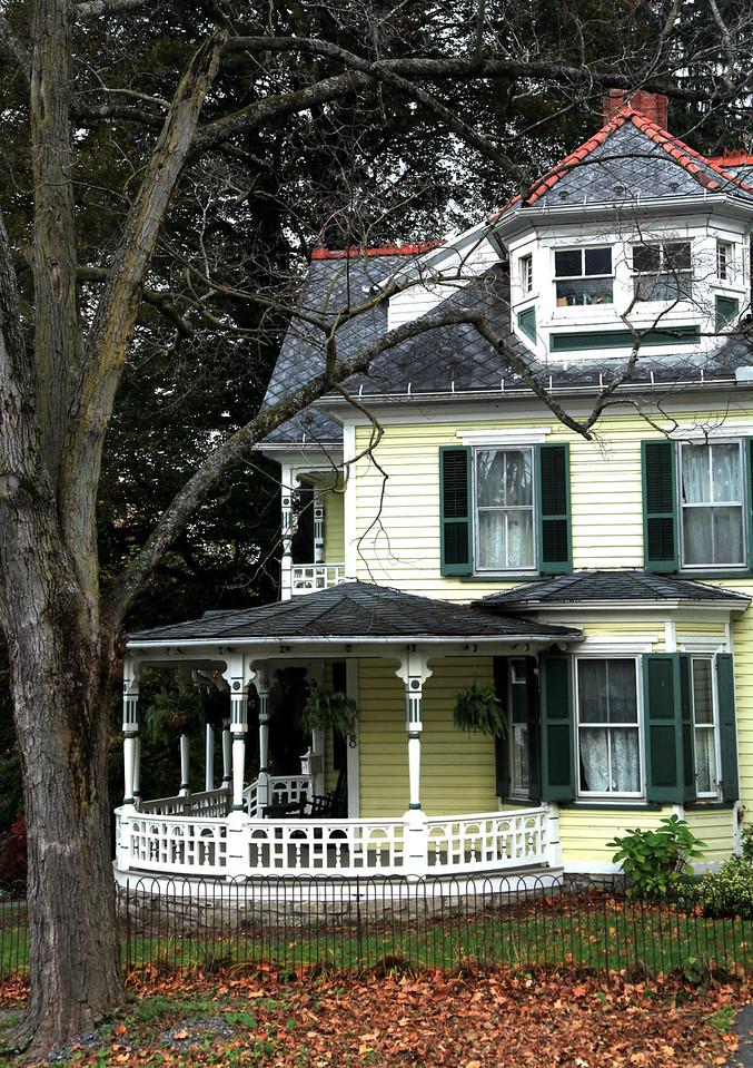 Nicely restored house in Lemont