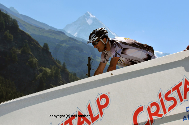 Nendaz, August<br /> competitor on the Evolene ramp with dent blanche in the Grand Raid mountain bike race:  August 21, 2010 in Verbier Switzerland