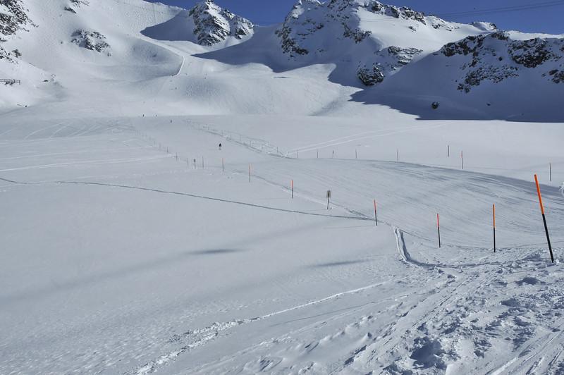 Nendaz Mont Fort<br /> ski runs and steep mogul fields on a glacier<br /> sur le glacier du Mont Fort